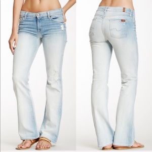 •  7 For All Mankind • Kimmie Bootcut Jeans Bleach